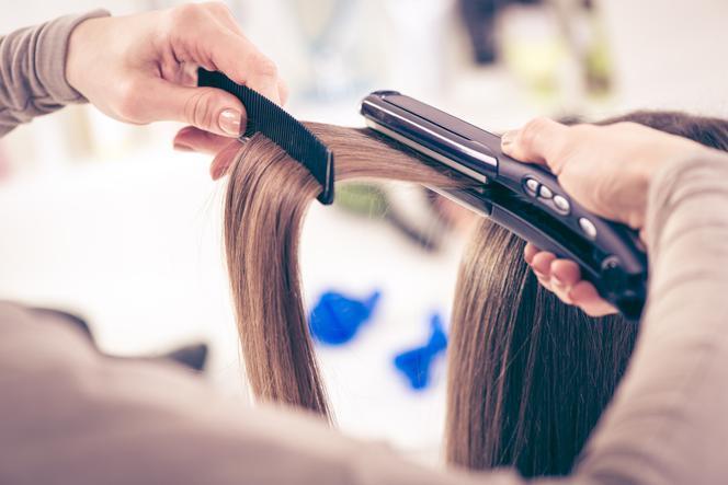 Keratyna do włosów w ciąży: czy można wykonywać ten zabieg?